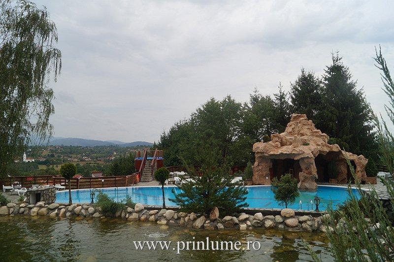 Club Vila Bran - lac si piscina